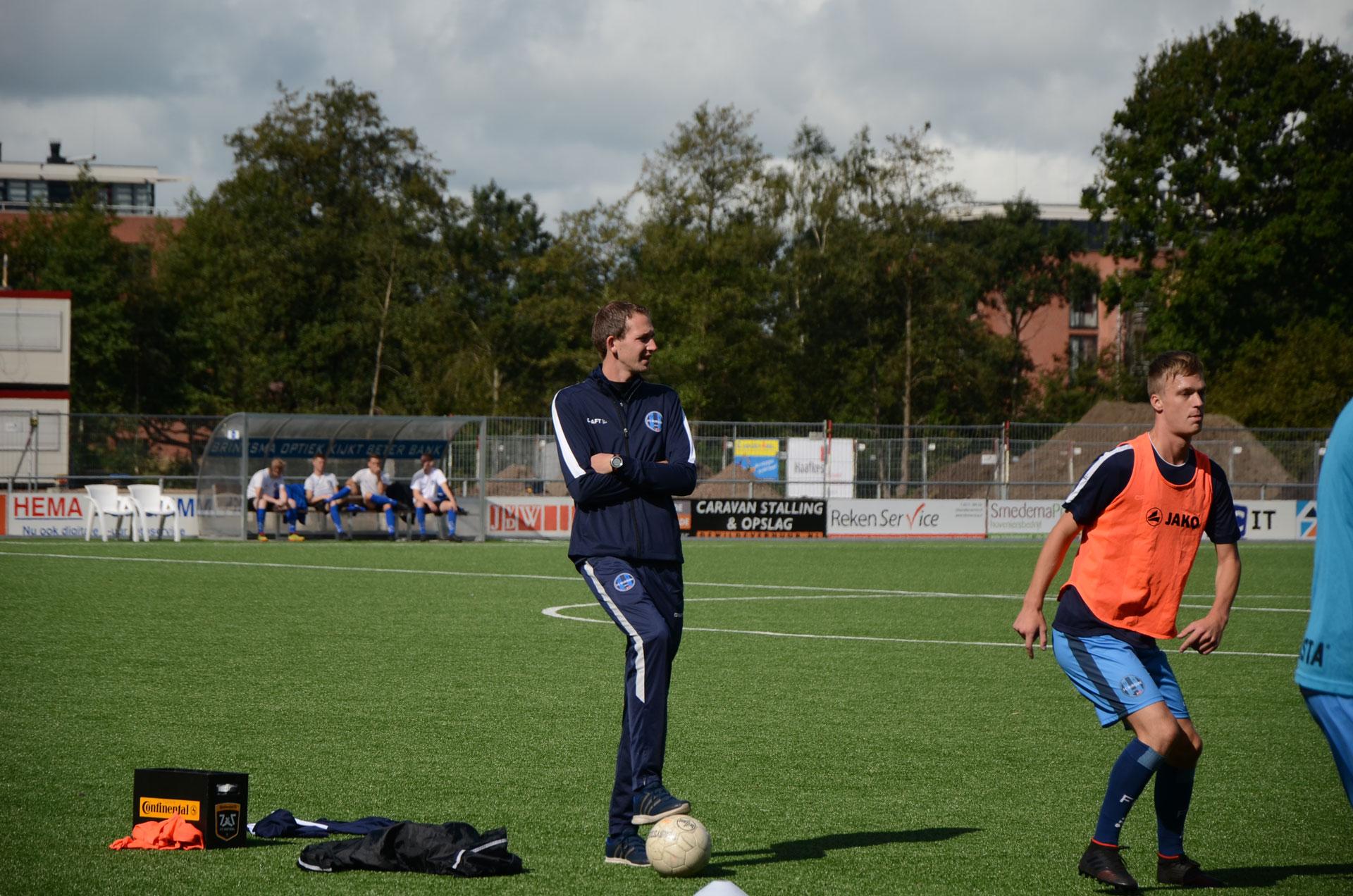 Niels Pot ook volgend seizoen trainer bij FC Burgum